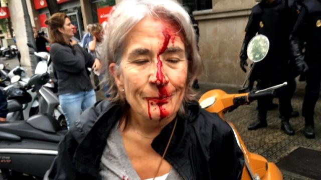 Barcelona sokakları savaş alanına döndü