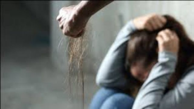 Tecavüz etmeye çalıştığı kadını kezzapla yaktı