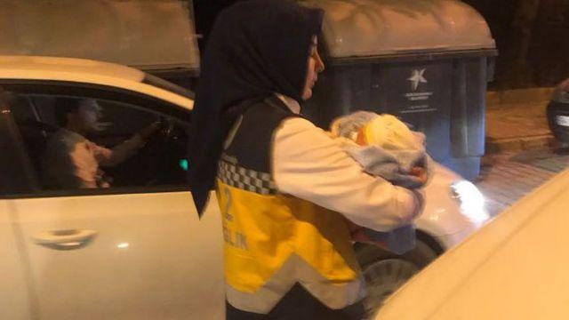 Vicdansızlar yeni doğan bebeği poşetle çöpe attı