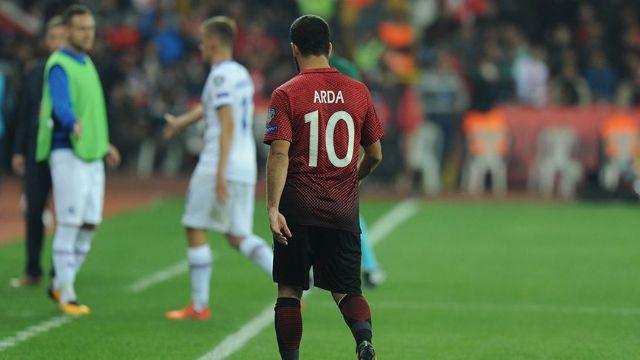 Tepkilerin odağı Arda Turan'ı Galatasaray'da istemiyor