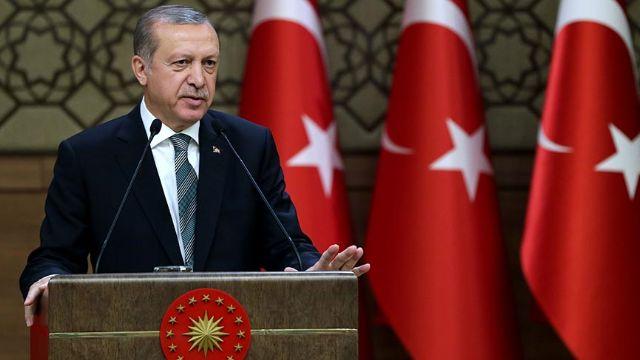 Leyleği havada gördüler; Erdoğan'dan Muhtarlara dünya turu sözü