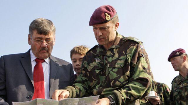 İngiliz komutan Esad neden kimyasal saldırı yapsın dedi, Skynews yayını kesti