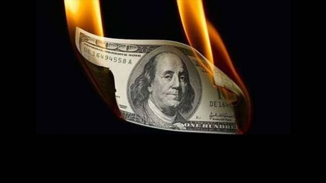 Dolar'ın ateşi sönmüyor; bu gün 4.30'un üstünü gördü
