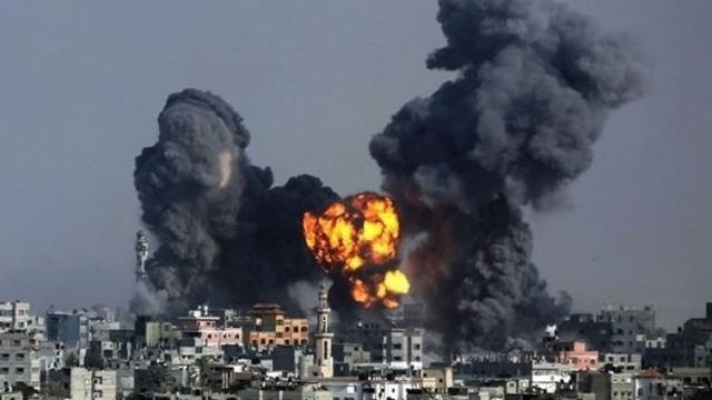 İsrail savaş uçakları Gazze'de 3 noktayı vurdu
