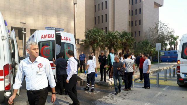 İzmir Adliyesi gaz sızıntısı nedeniyle tahliye edildi