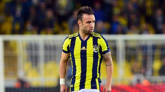 Fenerbahçe'de bir yıldızın daha ismi çizildi