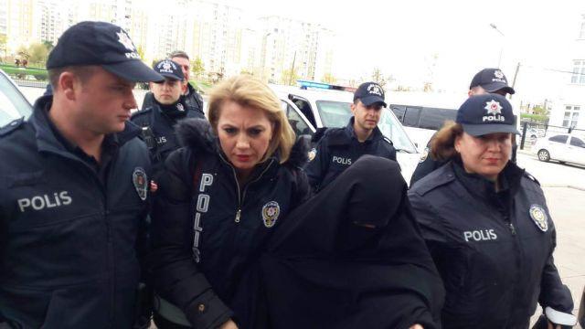 Baltayla Atatürk Anıtı'na saldıran kadının akli dengesinin bozuk olduğu öğrenildi