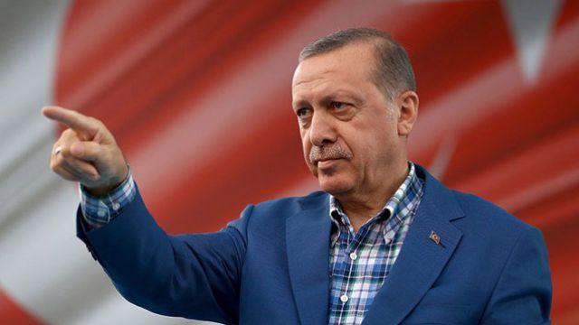 Cumhurbaşkanı Erdoğan yılın aday fotoğraflarını seçti