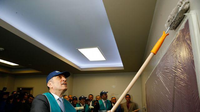 Adalet ve Milli Eğitim Bakanı sınıf boyadı