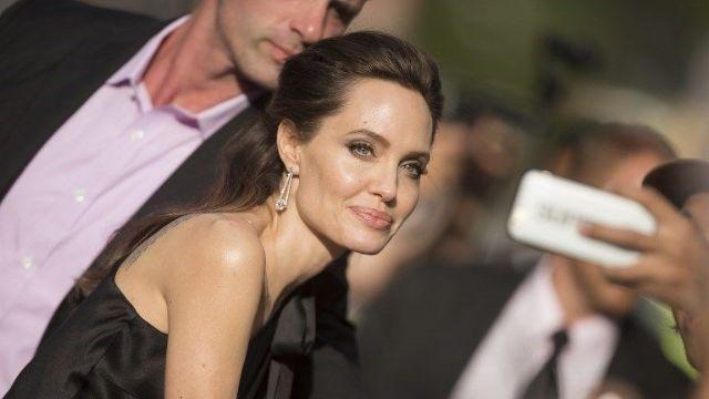Angelina Jolie kamera karşısına geçmeye hazılanıyor