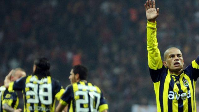 Alex de Souza: Fenerbahçe küme düşmez