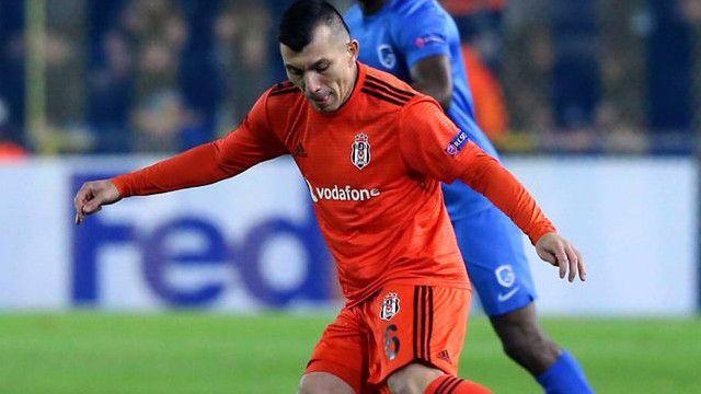 Beşiktaş'ta ilk yolcu Medel!