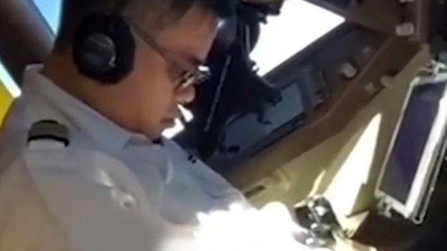 Pilot uçuş esnasında uyuya kaldı!