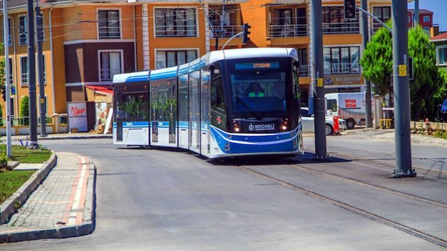 İzmit'te vapurdan tramvaya ücretsiz aktarma