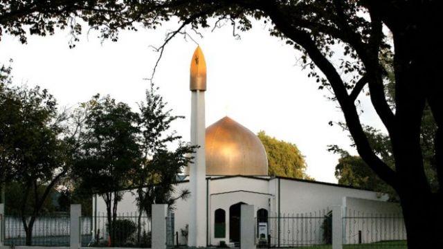 Kanlı Cuma!..namaz kılan müslümanları katlettiler