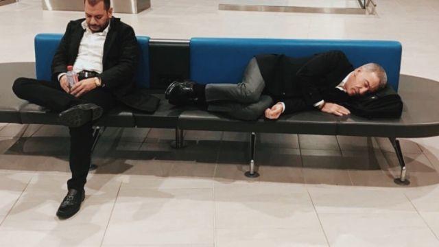 Havaalanında uyuya kaldılar