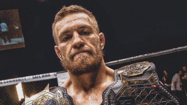 Ünlü dövüşçü kariyerini sonlandırdı