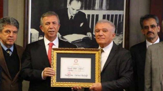 Ankara'nın Belediye Reisi mazbatasını aldı