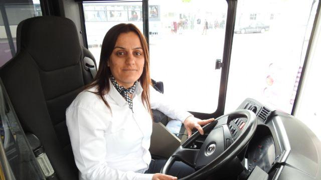 Çorum'un tek kadın halk otobüsü şoförü görevine başladı