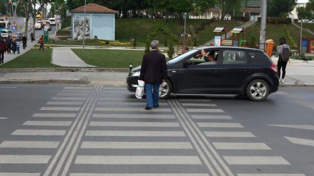 Sürücüler 'yayalara tanınan önceliğe' alışamadı