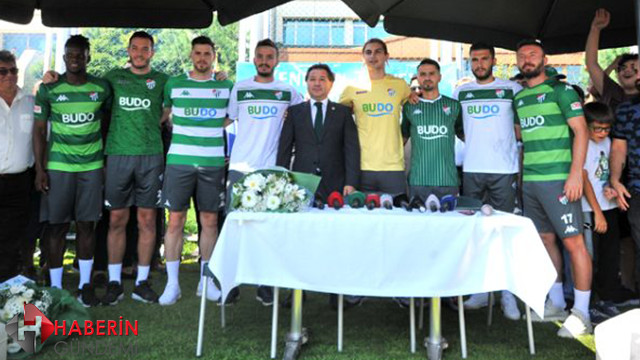 Bursaspor kadrosuna 8 oyuncu kattı