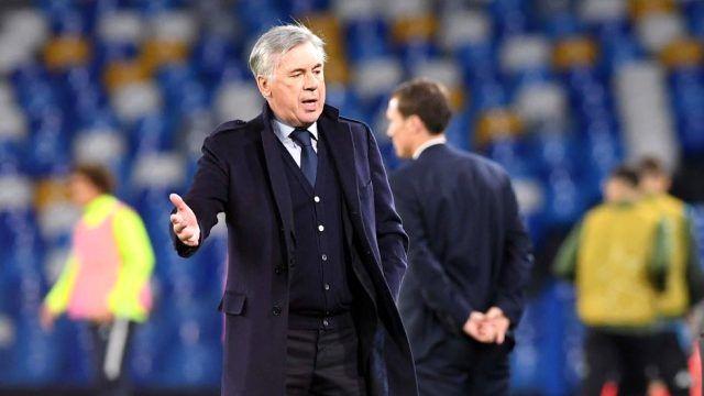 Napoli'de Carlo Ancelotti kovuldu