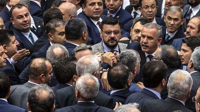 Meclis'te 15 Temmuz kavgası