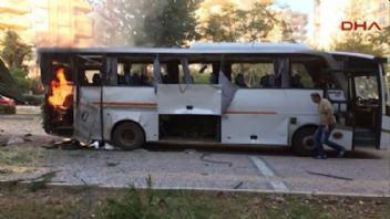 Mersinde polis servis aracı bombalandı