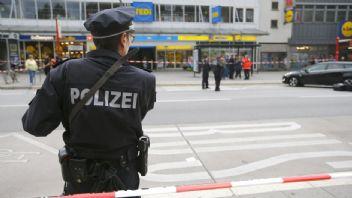 Almanya'da bıçaklı saldırı: Yaralılar var