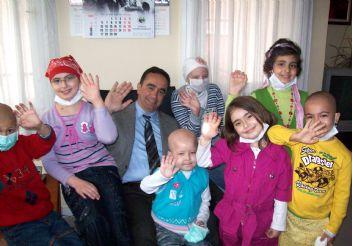 Çocuk Hakları Nobel'i, Türk doktor Üstün Ezer'e verildi
