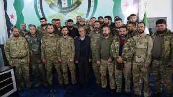 Suriyeli muhalifler Özgür Suriye Ordusuna katılma kararı aldı