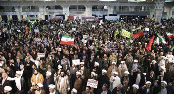 İran'da çatışmalar şiddetlenerek devam ediyor
