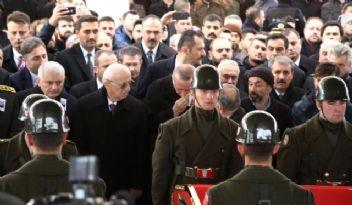 Devletin zirvesi şehit cenazesinde buluştu