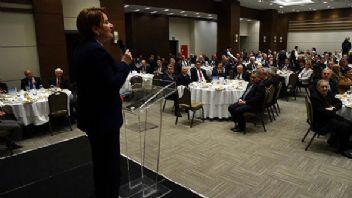 Akşener 300 siyasetçiyle yemekte buluştu