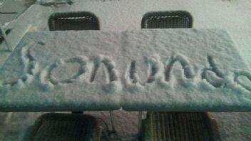 Beklenen kar geldi İstanbul donuyor