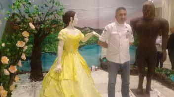 100 kiloluk pastadan heykelleri afiyetle yediler
