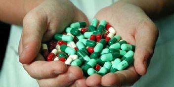 Türkler'in antibiyotik çılgınlığı dünyayı dehşete düşürüyor