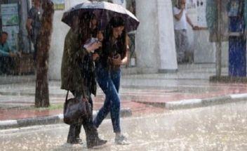 Meteoroloji uyardı İstanbul'a sağanak yağış geliyor