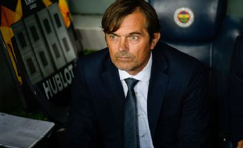 Cocu'dan Fenerbahçe taraftarına övgü