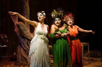 Shakespare'den uyarlanan 'Cadı Avı' seyirciyle buluştu