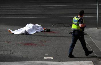 Avustralya'da bıçaklı saldırgan dehşet saçtı