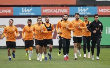 Galatasaray'ın Kayserispor maçı 11'i merak ediliyor