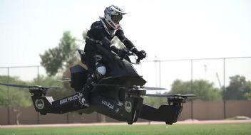 Otobanlar dar geldi; Dubai polisi uçan motosiklete binecek