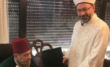 Diyanet İşleri Başkanı Erbaş'a 'Fesli Kadir' tepkisi