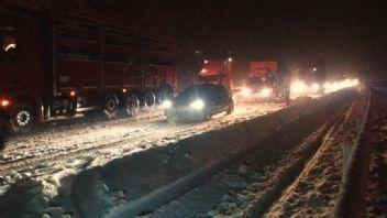İstanbul yağmura, Anadolu kar yağışına teslim oldu