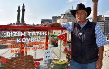 Sivas'ın Tatlıcı Kovboy'u tarzıyla işleri katlıyor