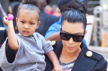 Kim Kardashian 5 yaşındaki kızına photoshop yaptı