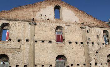 Yüz yıllık kilise restore edilemeyince kaderine terk edildi
