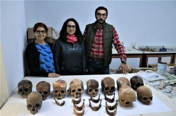 Antalya'da binlerce yıllık toplu mezar bulundu