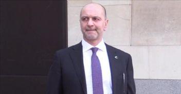 Türkiye ile İngiltere arasında Akın İpek krizi